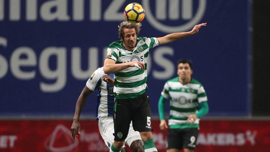 Coentrão a rir com... Maxi - FC Porto - Jornal Record 383c88d010ef8