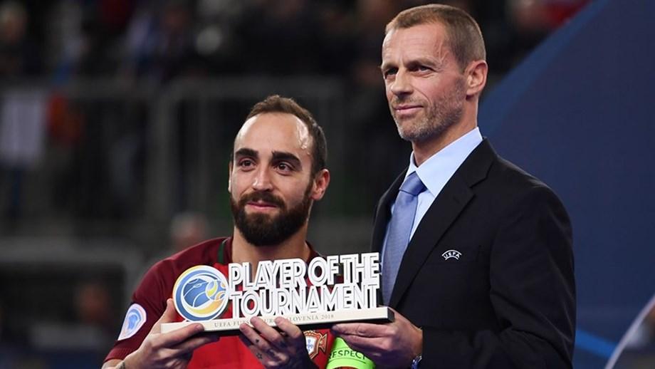 23a630d171 Ricardinho foi o melhor jogador da prova - Europeu de futsal 2018 ...
