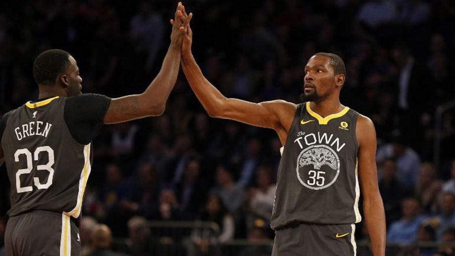 985012ca4f Warriors beneficiam da derrota dos San Antonio Spurs frente aos Houston  Rockets .
