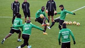 Doumbia e Montero testados na frente