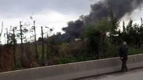 Avião militar cai na Argélia com mais de 100 passageiros