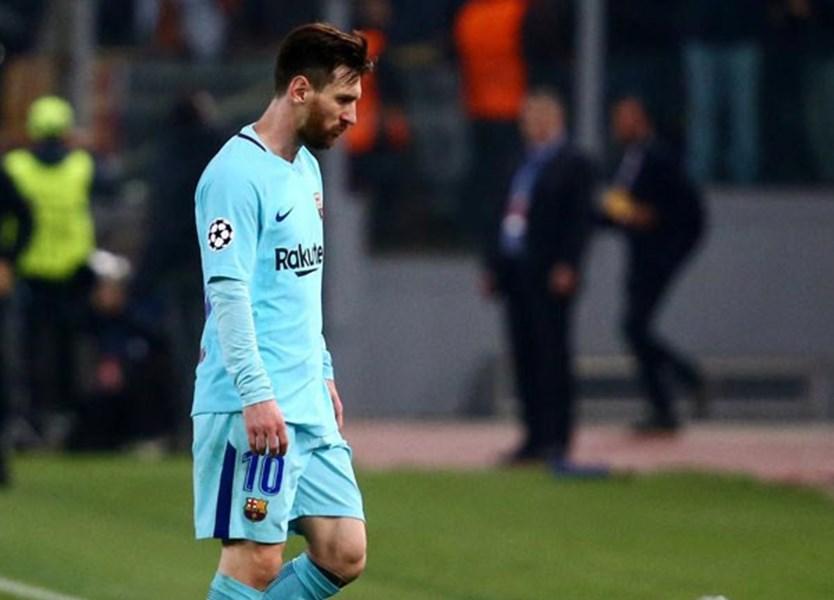 149c0fa3d O momento que Messi não esperava e que ninguém vai esquecer - Vídeos -  Jornal Record