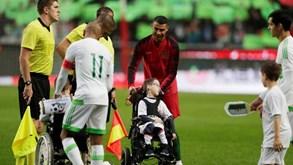 Entrada de Portugal e Argélia proporcionou momento inesquecível para estas crianças