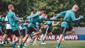 Alemanha-México: Campeões do Mundo mostram-se