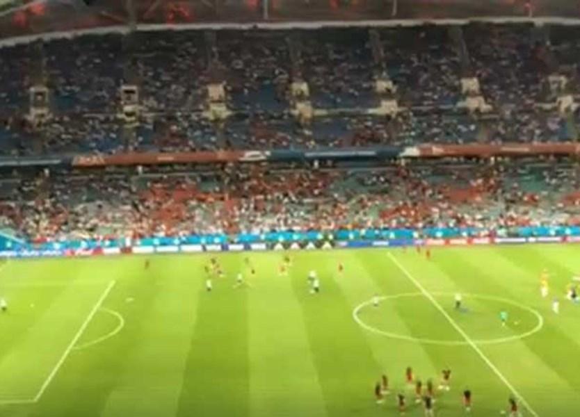Antes Do Portugal Espanha Ouviu Se A Minha Casinha Dos Xutos Em Sochi