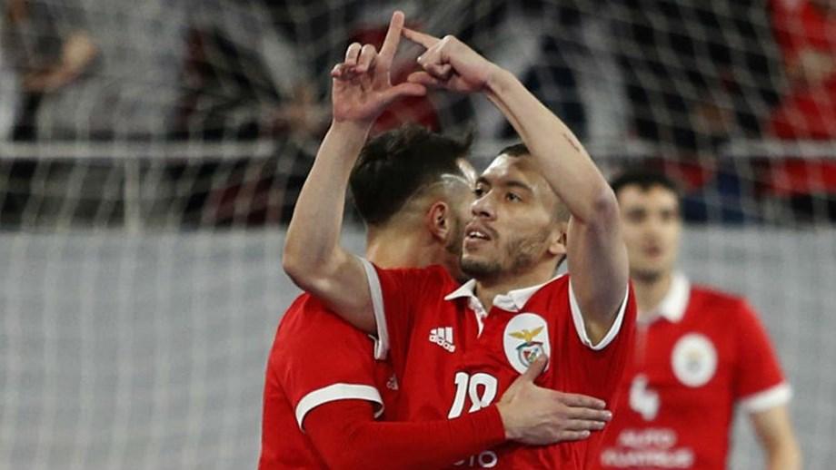 Benfica vence no Pavilhão João Rocha e fica a uma vitória do título ... a831e7878c347