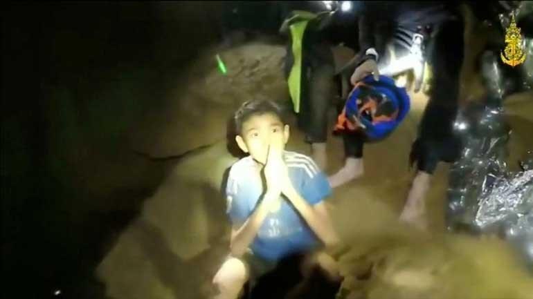 Resultado de imagem para Mergulhador morreu depois de ajudar crianças presas em gruta