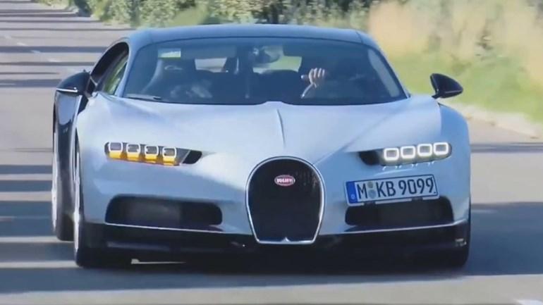 Bugatti Chiron de Benzema confunde fãs de… Cristiano Ronaldo
