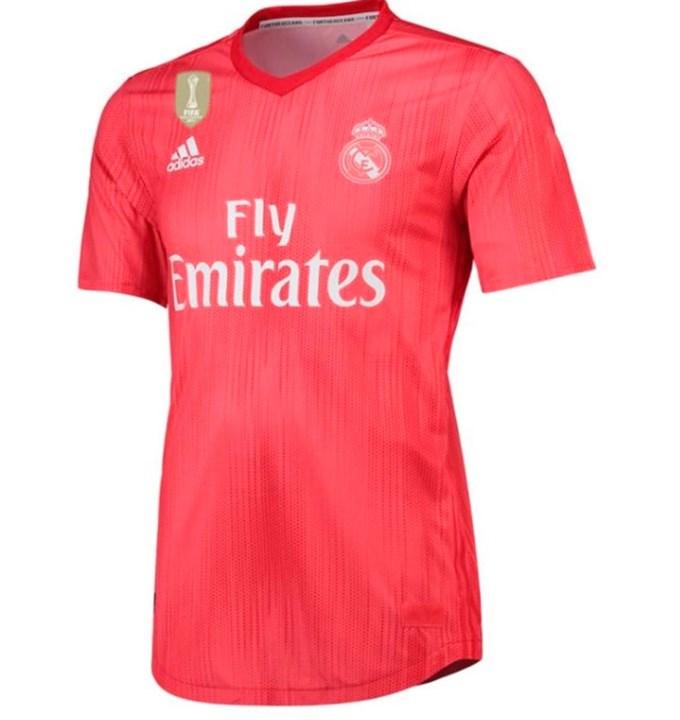 Terceiro equipamento do Real Madrid surpreende e não é só na