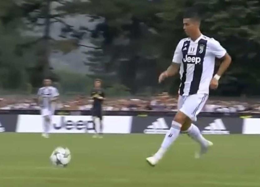 2141cacb18 Um golo e muita classe  os principais lances de Ronaldo no primeiro jogo  pela Juve - Vídeos - Jornal Record