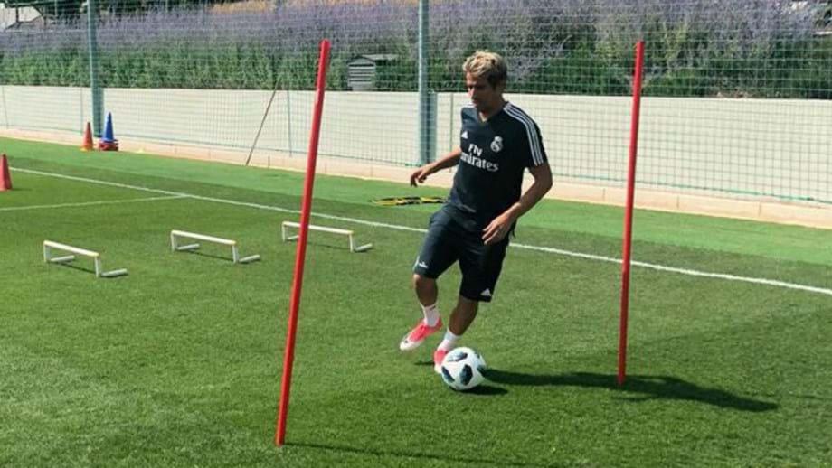 Jorge Mendes procura clube para Fábio Coentrão - Espanha - Jornal Record 149c27fedb420