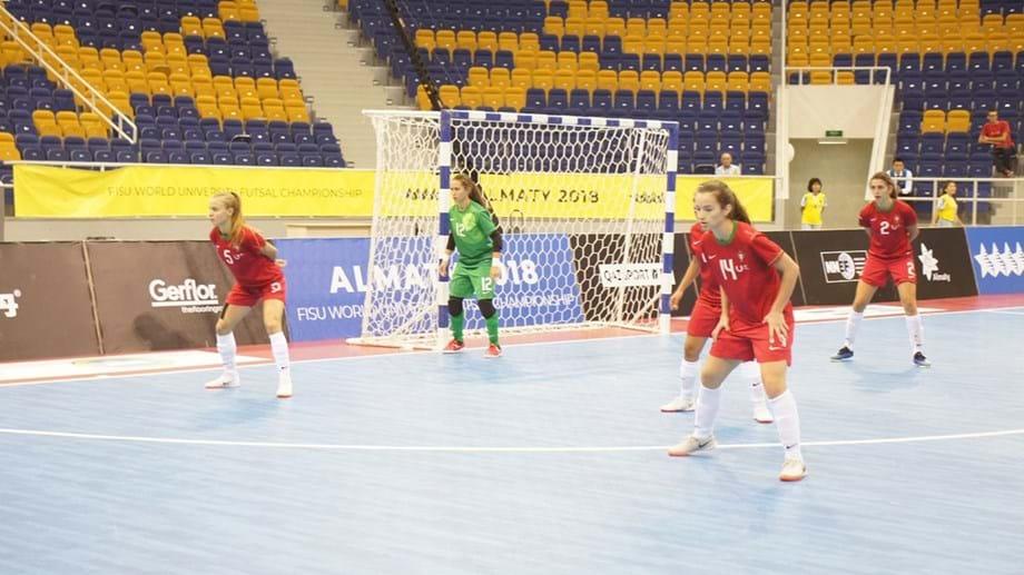 6cf7532ed6 Futsal  Masculinos garantem apuramento e femininos entram a ganhar ...