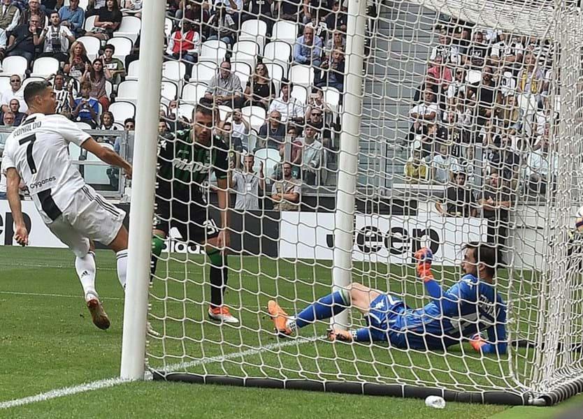 ed7a40391f O primeiro bis de Cristiano Ronaldo pela Juventus  os dois golos e os  melhores momentos - Vídeos - Jornal Record