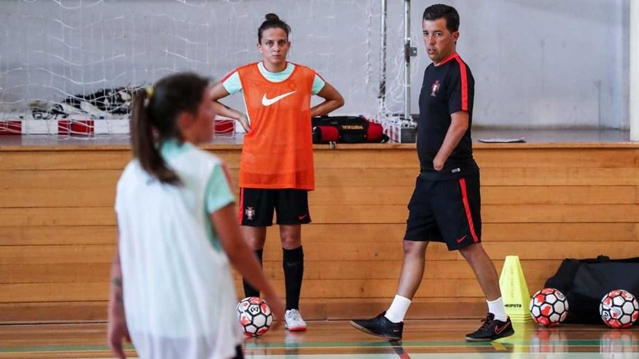 aece295701 Portugal espera qualificação com espetáculo para o Europeu feminino ...