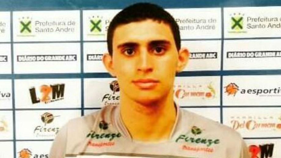 Brasileiro que jogava em Espanha foi encontrado morto em casa. Vinicius  Noronha Da Silva d1fa50a971866