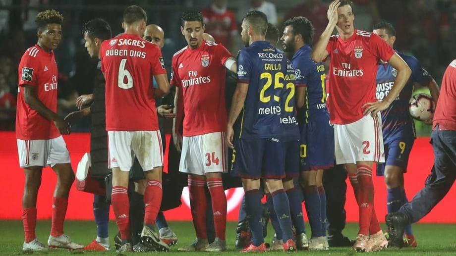 cb1892f26c FC Porto atira-se a Benfica  «Para eles a liga ainda tem de ser mais Red  Porn». Dragões dizem que Rui Vitória