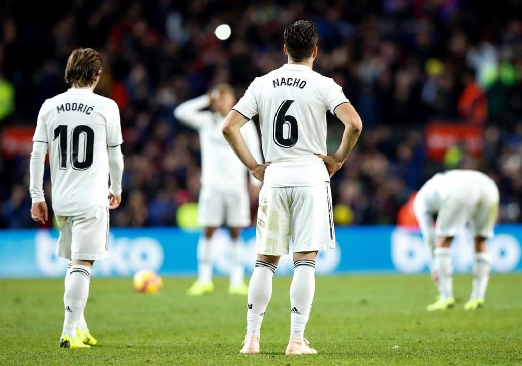 7. Real Madrid (Espanha): 53 jogadores