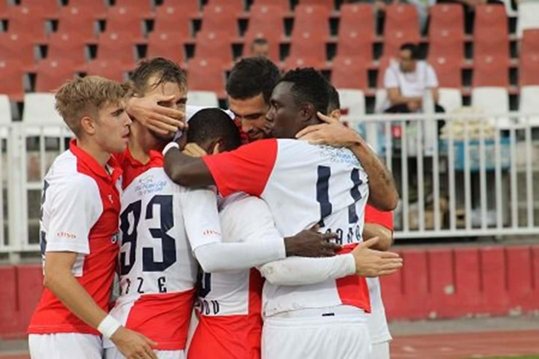 11. Vojvodina (Sérvia): 48 jogadores