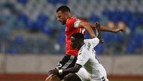 Rui Vitória explica por que motivo Samaris foi capitão do Benfica ... 9d97d50727e4d