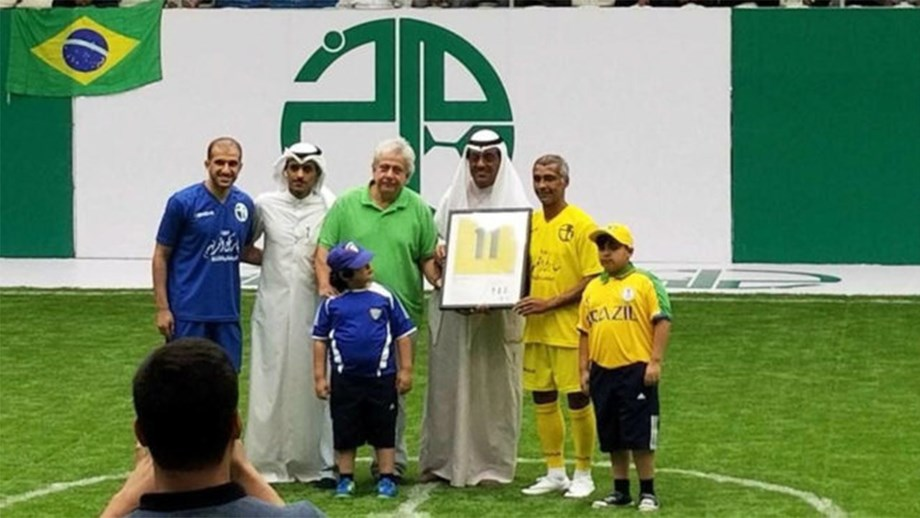 Antigas estrelas enganadas em torneio no Kuwait