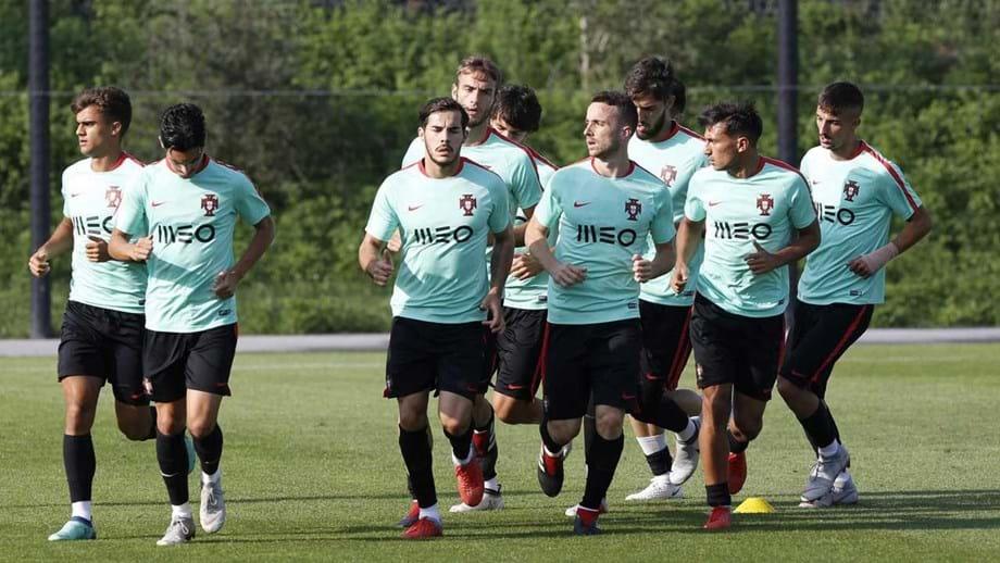 Portugal goleia no Liechtenstein (0-9)  as contas para chegar ao ... 387b5ac5b2a39