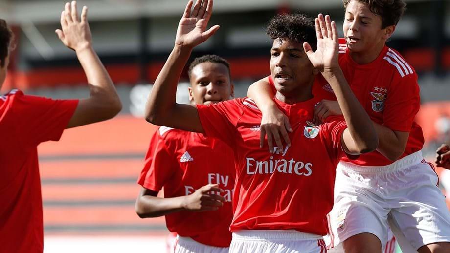 Resultado de imagem para Benfica de mão cheia