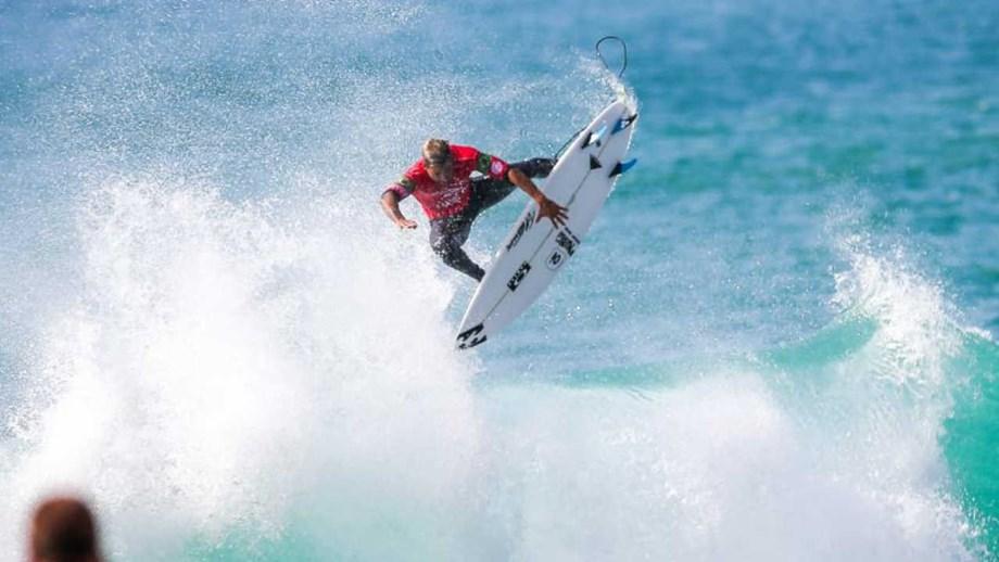 Resultado de imagem para surfista Ítalo Ferreira