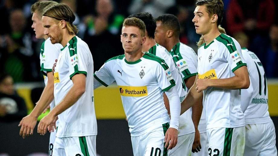 Borussia Mönchengladbach goleia e mantém segundo lugar da liga alemã ... 2847113b0dc0e