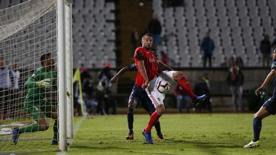 Benfica perde com o Belenenses e cai da liderança do campeonato ... 09537ae408823