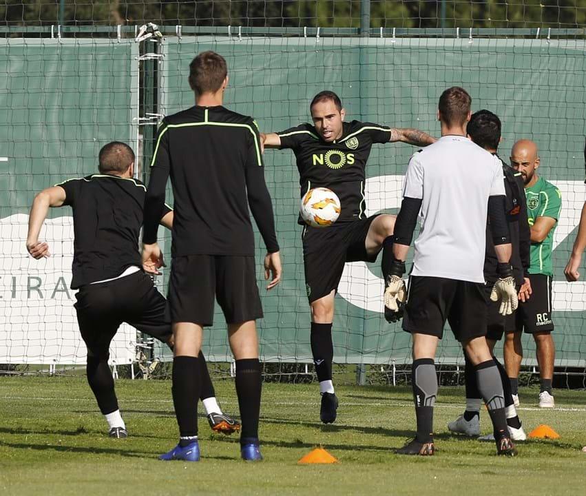 Plantel do Sporting vai  emagrecer   os jogadores na porta da saída ... d27b5330d4021