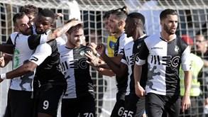Farense-V. Guimarães B, 2-2: Igualdade em jogo com três golos de penálti