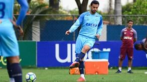 Cruzeiro-Corinthians: Bola do outro lado do Atlântico