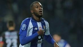 Bazoer afastado e de saída do FC Porto