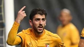 Paulinho procura abrir conta na Liga