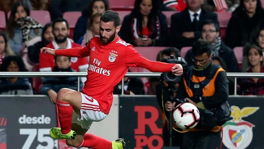 A exibição do Benfica teve muito de negativo e pouco de positivo. Extremo  foi um dos mais inconformados 029d0e7ae75d3