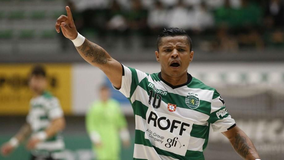 Sporting vence Leões de Porto Salvo - Futsal - Jornal Record c595049ec908c