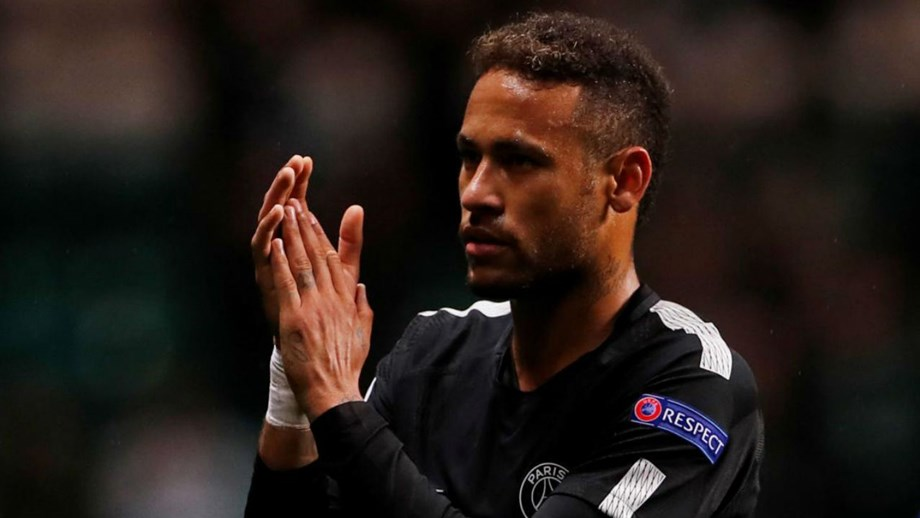 Neymar cobra 375 mil euros para aplaudir os adeptos no fim dos jogos