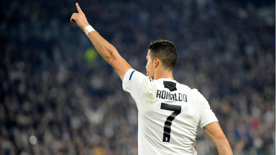 Golo de Ronaldo ao Manchester United foi o melhor da semana na Champions.  Português voltou a marcar na Liga dos Campeões 722ce25b24347