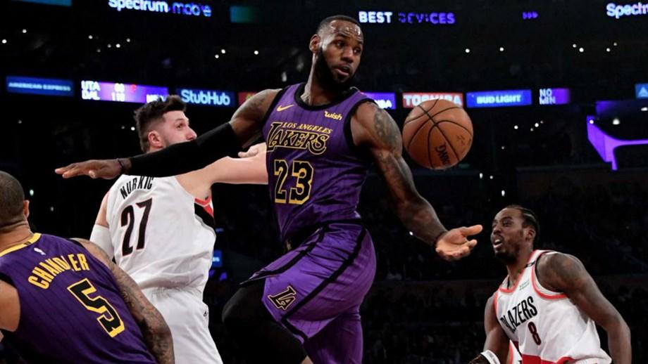 bf55dca38 Extremo foi decisivo para o triunfo dos Los Angeles Lakers sobre os  Portland Trail Blazers.