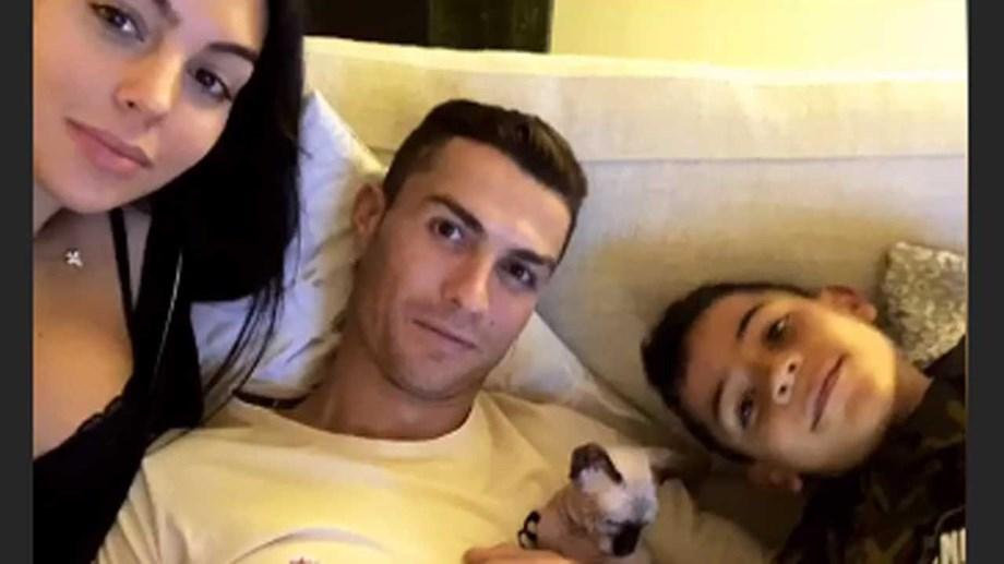 f80b25dddd Namorada de Cristiano Ronaldo mostra novo  habitante  lá de casa ...