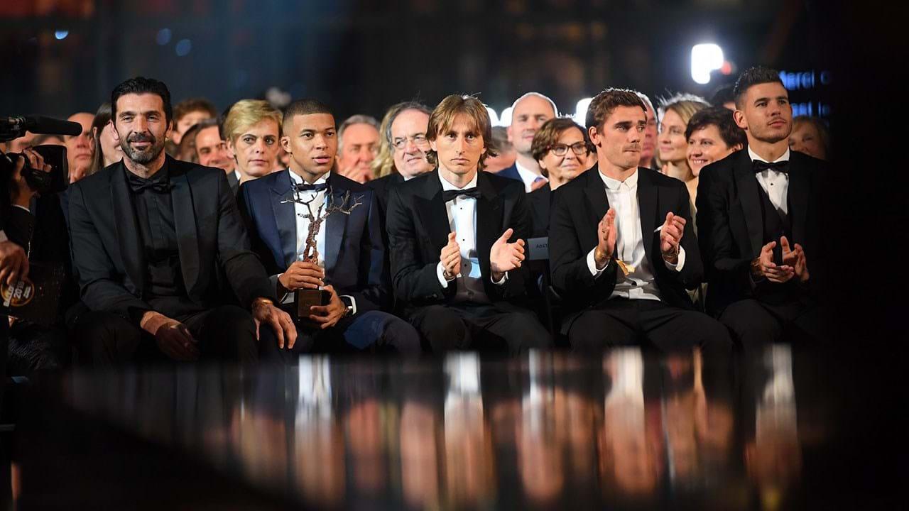 79862b380f 1   9 Modric conquista a Bola de Ouro e Ronaldo fica em segundo .