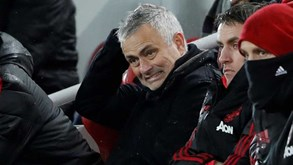 Oficial: Mourinho despedido do Manchester United