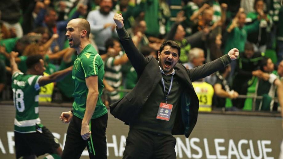 7efd06a0be Nuno Dias entre os nomeados para melhor treinador do Mundo - Futsal ...