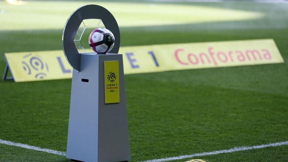 França · Liga francesa adia mais três jogos a pedido das autoridades. Devido  aos protestos dos  coletes amarelos  ... 66e53e5fb62e2