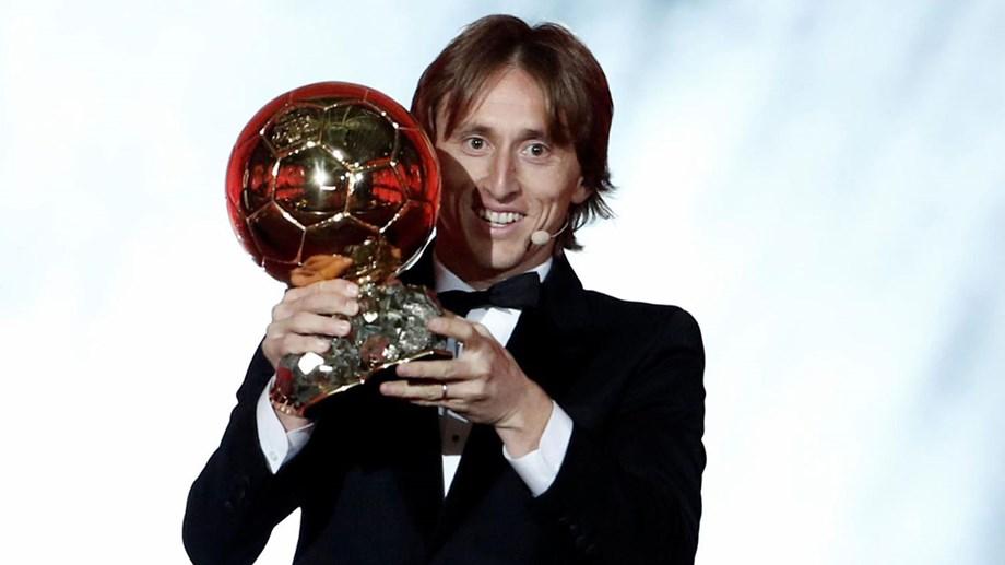 24bf2d87b4 Modric conquista a Bola de Ouro e Ronaldo fica em segundo ...