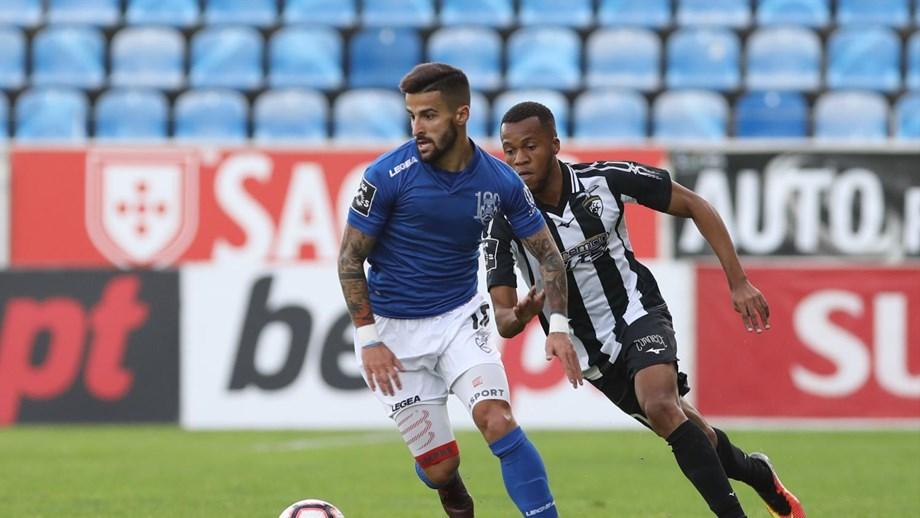 0b3a7c2d8a Tiago Silva volta em Vila do Conde - Feirense - Jornal Record