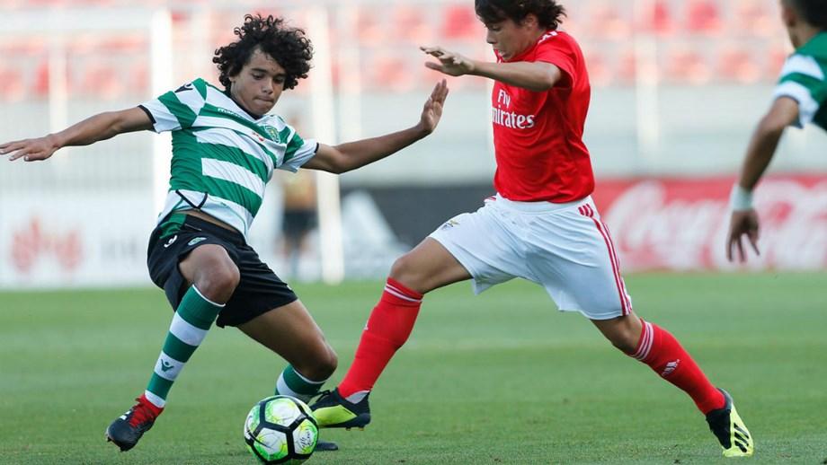 Iniciados  Sporting segura liderança com empate frente ao Benfica ... 73cf835f3b35f