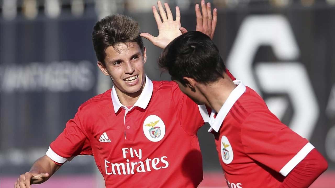 Juniores  Benfica e FC Porto empatam no arranque do apuramento de ... 089d560928947