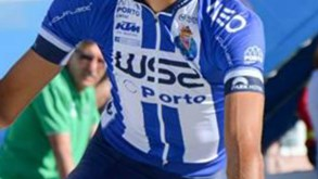 Joaquim Silva desclassificado na Volta ao Algarve por ajuda do carro da equipa