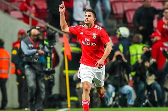 Árbitro do Sporting-Benfica agredido com pau e arma perto do ... 59673079035aa